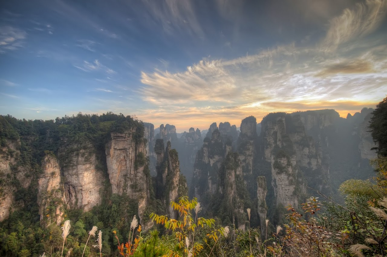 Рассвет -Zhangjiajie-Mountains